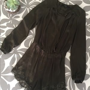 GUESS Romper/ long sleeve army green lace trimmed